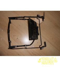 beugel voorklep (Scharnier) Siamoto Birdie bouwjaar van voor 2005. framenummer ZEDBR1000X1
