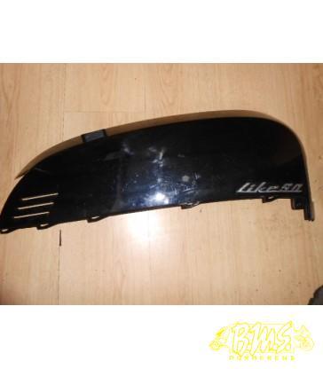 Motorscherm rechts SYM Cello framenr-LXMAJ05W Zitten krasjes op
