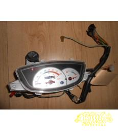 Motorscherm SYM DD50 framenr-rfgft05vx Bouwjaar van voor 2005 afgelezen km-stand 15764